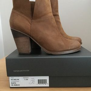 Vince Camuto sz 7.5 booties
